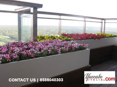 Committed to innovation and skilful design, Yuccabe Italia is a market leader in contemporary and expertly-crafted décor solutions- for both the indoors and out Flower Planters, Planter Pots, Buy Flowers, India, Beautiful, Window Boxes, Rajasthan India, Container Flowers, Flower Boxes