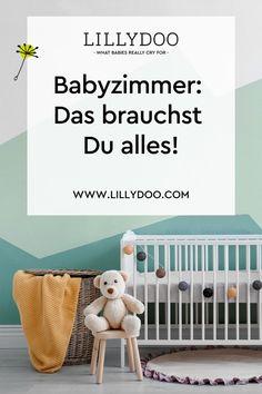 In den ersten Monaten werden Dein Baby und Du nur einige wenige Dinge im Kinderzimmer benötigen. Wenn Du jedoch von Anfang an vorausschauend denkst und zum Beispiel in flexibel erweiterbare Möbel investierst, kannst Du Dir später Aufwand und zusätzliche Ausgaben ersparen. Cribs, Interior, Home Decor, Tiny Homes, Mom And Dad, Kids Discipline, Nursery Set Up, Nursery Room Ideas, Baby & Toddler