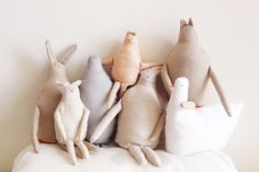Handmade DIY Easter: Plush Cotton Soft Wooden Toys for Baby's Easter Baby Toys, Kids Toys, Plum Pretty Sugar, Handmade Stuffed Animals, Handmade Soft Toys, Diy Bebe, Baby Disney, Softies, Doll Toys
