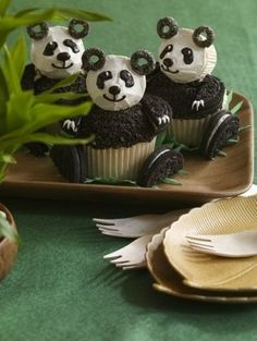 The pandas (sooo cute!) are just one of the may great cupcake ideas on this page!