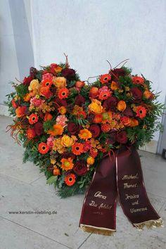 Funeral Flower Arrangements, Funeral Flowers, Casket Sprays, Funeral Tributes, Funeral Memorial, Deco Floral, Real Plants, Valentine Wreath, Flower Centerpieces