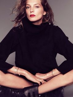 nice put-together, grown-up makeup. Daria werbowsky with red lips