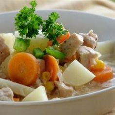 Turkey breast meat and fresh vegetables are cooked up into a healthy, warming and hearty turkey stew that may be enjoyed any time of year. Vegetable Medley, Vegetable Stew, Vegetable Recipes, Pampered Chef Recipes, Cooking Recipes, Dishes Recipes, Batch Cooking, Grilling Recipes, Healthy Cooking