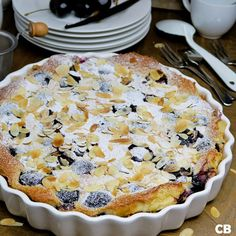 Goddelijke kersenclafoutis Tart Collections, Sweet Pie, Chimichurri, Sweet Cakes, High Tea, Summer Recipes, Caramel, Food And Drink, Yummy Food