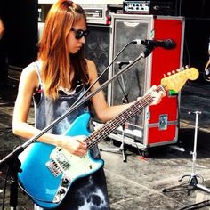 Looking so hot w her new guitar .. Haruna Ono - SCANDAL