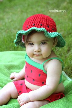 Repeat Crafter Me: Crochet Watermelon Sun Hat