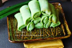 Awayofmind Bakery House: Kuih Dadar / Kuih Ketayap (Sweet Coconut Crepe Roll with Grated Coconut Filling)