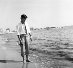 Alain Delon Cannes 1958 ~ Check out for more pins: https://www.pinterest.com/neno3777/alain-delon/