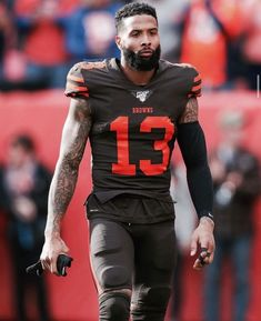 odell beckham jr haircut odell beckham jr - odell beckham jr tattoos - odell beckham jr wallpapers - odell beckham jr fashion - odell beckham jr haircut - odell beckham jr girlfriend - odell beckham jr tattoos leg - odell beckham jr and lolo wood Gorgeous Black Men, Handsome Black Men, Odell Beckham Jr Wallpapers, Nfl Football Players, Football Art, Nfl Uniforms, Cleveland Browns Football, Sport Hair, Junior Fashion