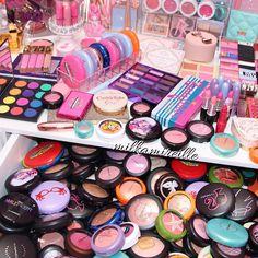 Vanity Makeup Mess  @milkamireille  ♡♥♡♥♡♥