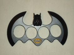 Brass Knuckles with Blade | Edged Weaponry - **BATMAN BRASS KNUCKLE DUSTER WITH DOUBLE SIDED BLADE ...