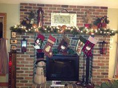 My country Christmas mantel, Country Christmas decor