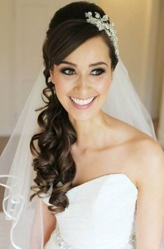 Trendy Wedding Hairstyles With Veil Hair Down Design Ideas Bride Hairstyles With Veil, Side Hairstyles, Best Wedding Hairstyles, Bridal Hairstyles, Wedding Hairstyles For Long Hair To The Side With Veil, Black Hairstyles, Bridesmaid Hairstyles, Hairstyle Wedding, Hairstyles Pictures