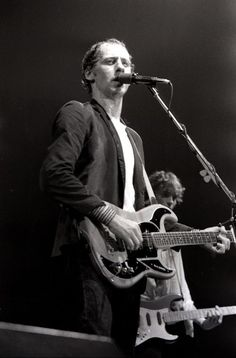Mark Knoffler of Dire Straits