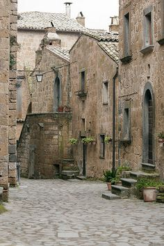 old stone street and buildings - Civita di Bagnoregio, Italy | _Nemo_ on Flickr