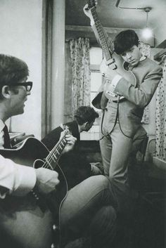 John Lennon was 20 years & Paul McCartney 18 when the #Beatles had their first concert in1961