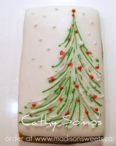 Simple Christmas cake by MistyLane