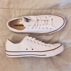 I want so bad that pair of converse in this color!!