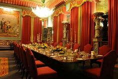 palace dining room – Homes Tips Linderhof Palace, Buckingham Palace London, 3d Architectural Visualization, Royal Residence, Historical Architecture, Home Hacks, Dining Room, Chinese, Chinoiserie