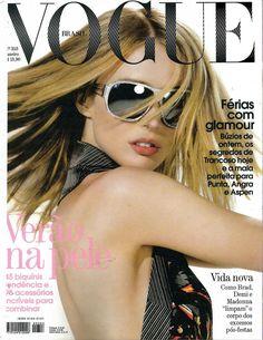Raquel Zimmermann, photo by Henrique Gendre, Vogue Brazil, January 2008 Vogue Magazine Covers, Fashion Magazine Cover, Fashion Cover, Vogue Covers, Madonna, Raquel Zimmermann, Real Model, Vogue Us, Glamour