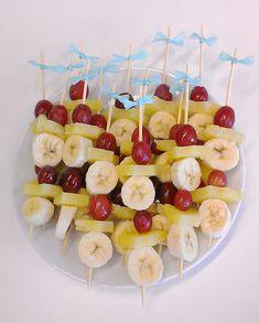 Fruitige spiesjes voor een babyshower - Style my party I Party, Caramel Apples, Baby Boy Shower, Tapas, Bubbles, Gender, Healthy Recipes, Snacks, Desserts