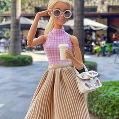 Doll Clothes Barbie, Barbie Outfits, Barbie Fashionista Dolls, Fashion Dolls, Bowl Set, Inventions, Beautiful, Vintage, Toys