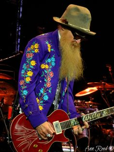 Billy Gibbons of ZZ Top! Billy Gibbons by Ann Photography o Zz Top Billy Gibbons, Berry Oakley, Frank Beard, Vintage Rock, Rock Legends, Gibson Les Paul, Sharp Dressed Man, Music Icon, Music Bands