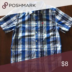 Wrangler blue button up shirt Blue and white wrangler short sleeve button up Wrangler Shirts & Tops Button Down Shirts