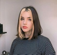 E-girl Hairstyles: Are You Brave Enough to Try TikTok's Latest Hair Trend? - E-girl Hairstyles: Are You Brave Enough to Try TikTok's Latest Hair Trend? Hair Color Streaks, Hair Highlights, Blonde Streaks, Two Color Hair, Blonde Bangs, Hair Colours, Brunette Hair, Hair Streaks Blonde, Front Highlights