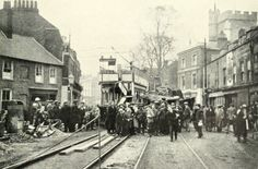 Brentford High Street in the early and a tram is involved in an accident. Vintage London, Old London, West London, Brentford, London Photos, Family History, Old Photos, 1920s, 19th Century