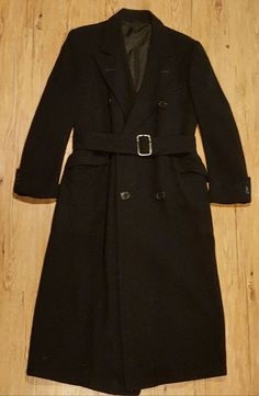 Vintage Mens Double Breasted Wool Overcoat with Detachable Matching Belt. 3f31956e1