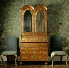 Early eighteenth-century English Japanned bureau and chairs set against Chinese wallpaper, in the State Bedroom at Erddig, Wrexham. ©NTPL/Andreas von Einsiedel...  From...  http://a-l-ancien-regime.tumblr.com/post/15728657581/early-eighteenth-century-english-japanned-bureau