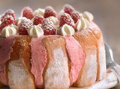 Découvrez la recette Gâteau mousse de mascarpone, framboises et biscuits roses de Reims sur cuisineactuelle.fr.
