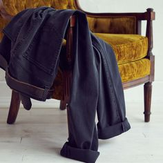 Dark wash denim deserves a leather belt and good cuff. | Raddest Looks On The Internet http://www.raddestlooks.net
