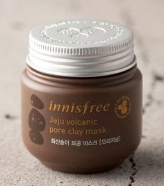 Innisfree Jeju Volcanic Pore Clay Mask doesn't play games when it comes to absorbing sebum from every. damn. clogged. pore.