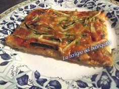 PIZZA ROSSA ALLE ZUCCHINE                                CLICCA QUI PER LA RICETTA  http://loscrignodelbuongusto.altervista.org/pizza-rossa-alle-zucchine/                                               #pizza #zucchine #sabato #foodblogger #Food #likeit #ricette #sabatosera