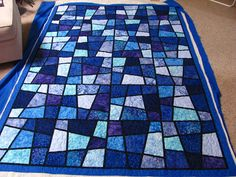 mmm quilts: Marilyn's Magic Tiles. Looks like stained glass