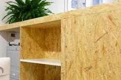 Trabajo realizado por Natural Wood. Puedes ver todos los detalles y fotos en el enlace. #Zaragoza #instalacionescomerciales #carpinteria #muebles Natural Wood, Shelves, Nature, Home Decor, Zaragoza, Custom Furniture, Work Spaces, Pictures, Shelving