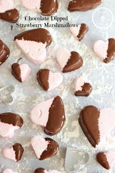 CHOCOLATE DIPPED STRAWBERRY MARSHMALLOWS! SUPER EASY AND PERFECT FOR VALENTINE'S DAY!