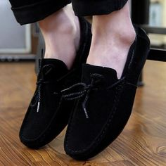 Classic style leisure loafer driving shoes for the modern man Easy slip-on leisure shoes Comfortable breathable upper Made from PU Available in 2 colors