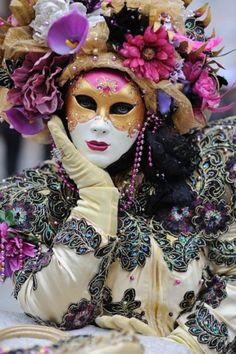 masks   carneval   italy