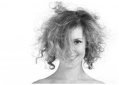 Como acabar com o frizz dos cabelos – Explicação definitiva e dicas infalíveis loiros