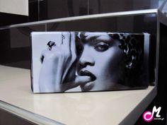 Rihanna love <3 Rihanna Love, Crowd, Flat Screen, Blood Plasma, Flatscreen, Dish Display