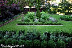 Libertiny-garden-July2013-10-1000px.jpg