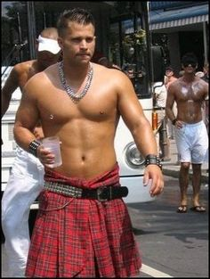 FOR THE LADIES..SEXY MEN IN KILTS