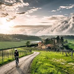 Castelli Cycling Looking forward to the Giro d'Italia Barolo time trial. It's going to be hard, but beautiful. Standard for the Giro, right? Via @Jered Gruber