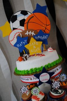 Sports party cake and cupcakes !! Love this for my little guy ⚾⚾⚽