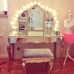 SOOO going to do in my new room! on We Heart It Decoration Inspiration, Room Inspiration, Rangement Makeup, Interior And Exterior, Interior Design, Vanity Room, Vanity Set, Girls Vanity, Glam Room
