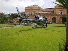 """Un bellissimo elicottero nello scenario incantato della meravigliosa """"Villa Signorini"""" di Ercolano!!!"""