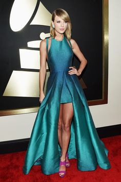 can we talk about how stunning tayswizzles grammy dress was? taylor swift grammy 2015 Elie Saab ombre blue gown eveningwear